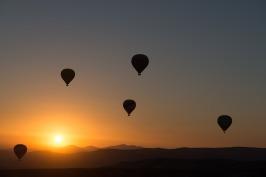 hot-air-ballooning-436442_1280