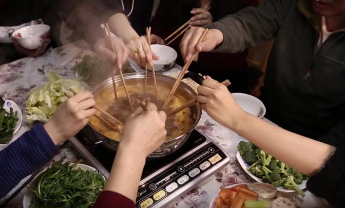 How to Make Chinese Prawn Hotpot