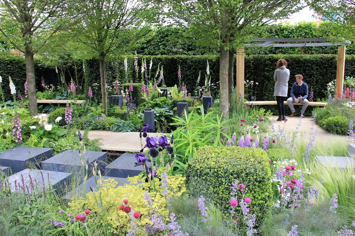 China makes an appearance at the rhs chelsea flower show for Chelsea 2017 show gardens